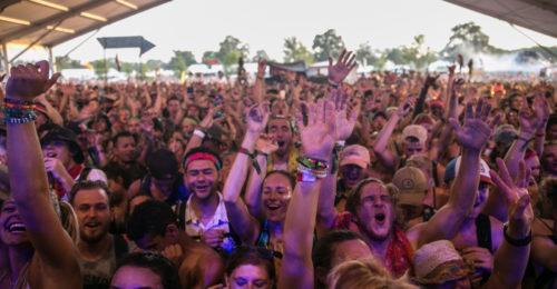 Top 5 Dinge, die Du brauchst, um ein Open-Air-Konzert bei Wind und Wetter zu überstehen!